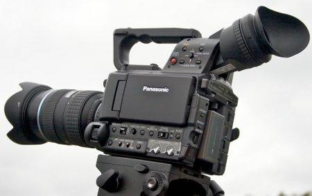 Panasonic выпустила новую видеокамеру AG-AF100