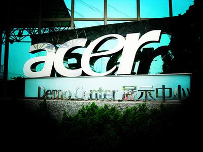 Чистая прибыль Acer сократилась на 64%