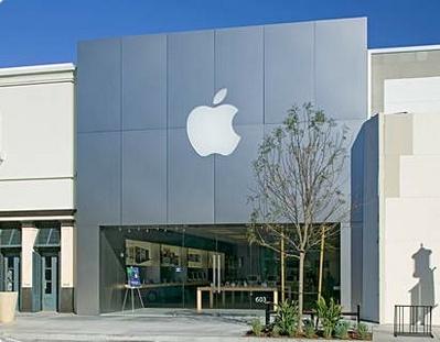 Apple откроет магазин в Москве