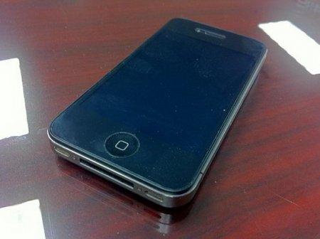 iPhone 4 не страшны падения с большой высоты