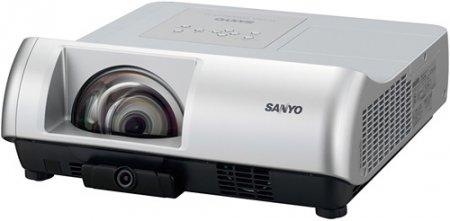 Sanyo представляет интерактивный проектор с малым проектором