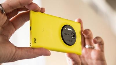 Смартфон Lumia 1020 - настоящий провал